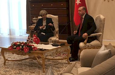 جنجال کاخ طلای اردوغان شبکههای اجتماعی را فراگرفت  به دنبال دیدار ترزا می، نخست وزیر ...